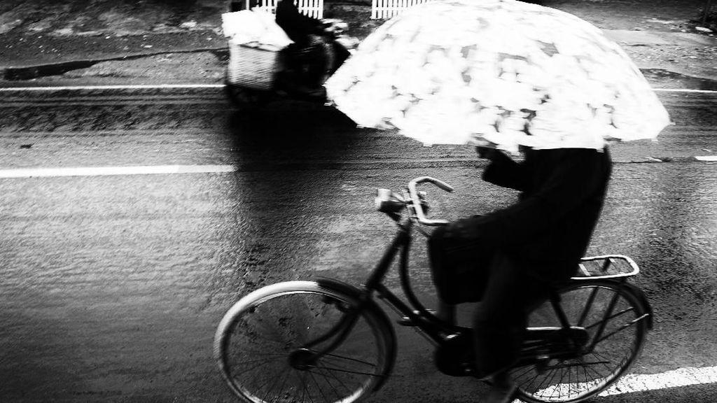 Hujan di jalan