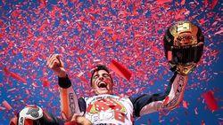 Marc Marquez dan Helm Emas
