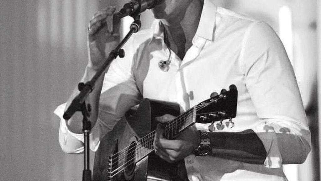 Berbagi Panggung, Shawn Mendes Anggap John Mayer Mentor