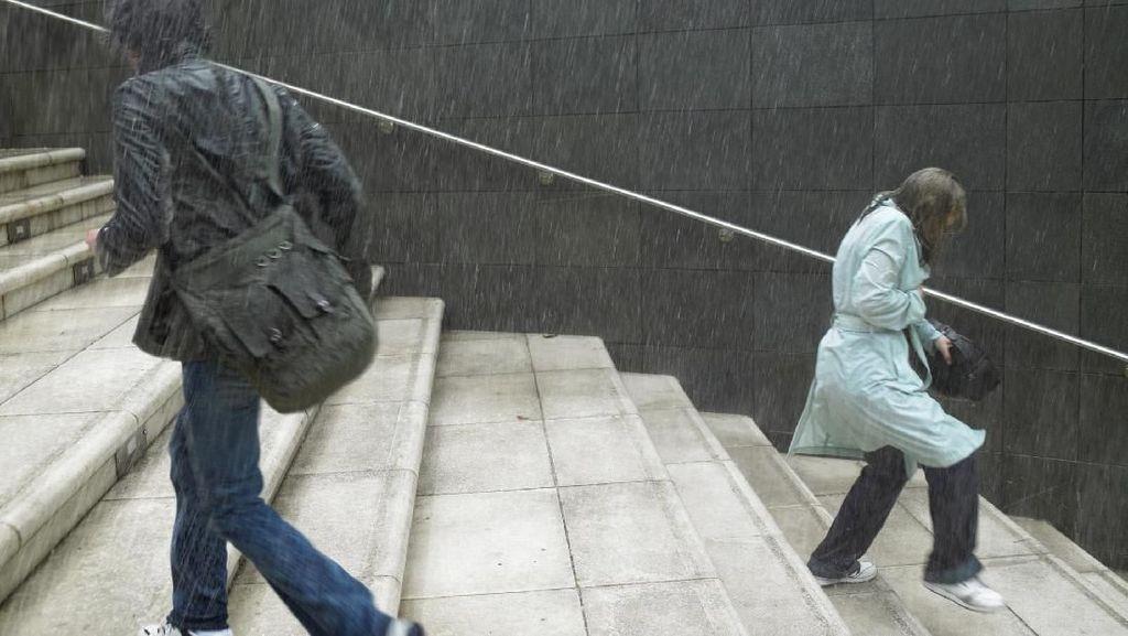 6 Langkah Cegah Infeksi Penyakit di Musim Hujan