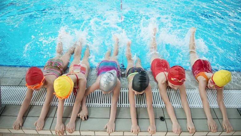 Ini Alasan Latihan Berenang Bisa Tambah Rasa Percaya Diri Anak (Foto: Thinkstock)