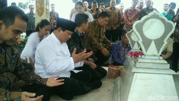 Prabowo di TMP Kusumanegara, Yogyakarta.