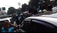 Viral Video Mobil WNA Dikerumuni Ojol Dekat Kokas, Ini Faktanya