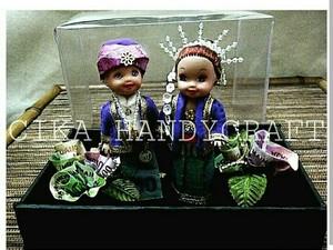 Bikin Boneka Berbusana Adat, Perempuan Ini Raup Omzet 15 Juta/Bulan