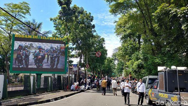 Ada Sertijab Pangdam Siliwangi, Massa Pendukung Buni Yani Setop Orasi