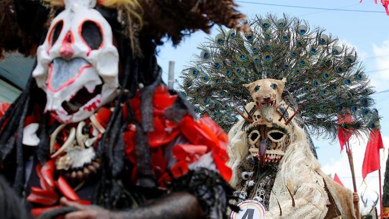 Foto: Festival Tradisional di Kolombia, Unik atau Seram?