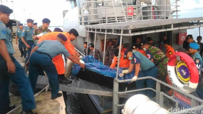Kapal Terbalik di Selat Makassar, 1 Orang Tewas dan 6 Orang Hilang
