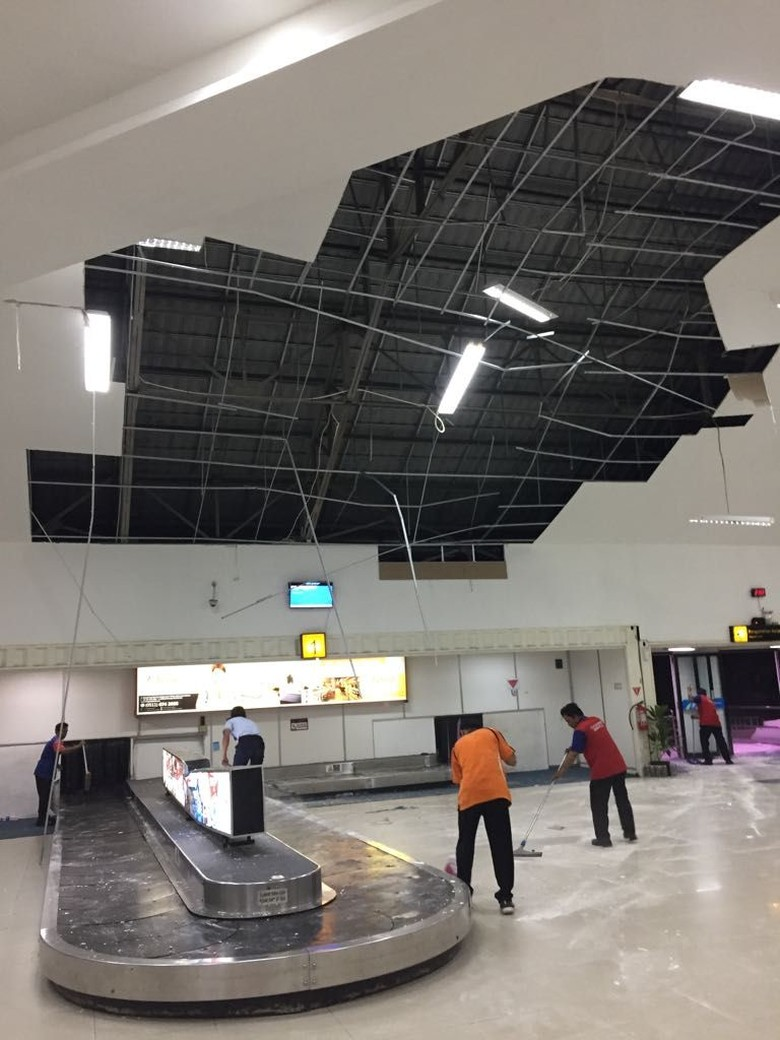 Bandara Banjarmasin Diterjang Hujan Angin, Penerbangan Tak Terganggu