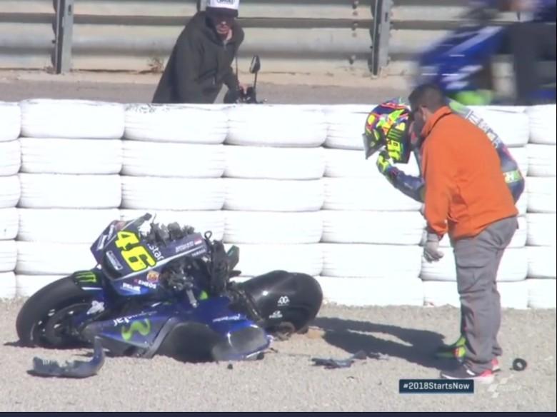 Rossi Kecelakaan Hebat di Valencia, Motornya Hancur