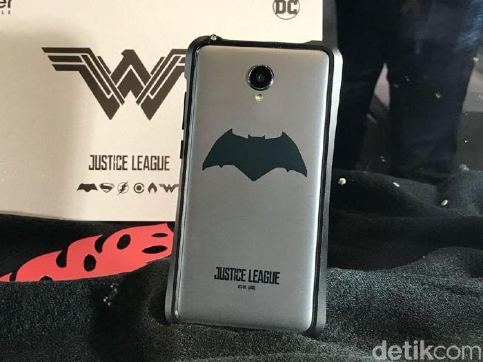 Ponsel Haier edisi Justice League. Foto: detikINET/Adi Fida Rahman