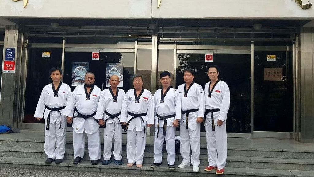 Enam Master Uji Kenaikan DAN di Korea Selatan