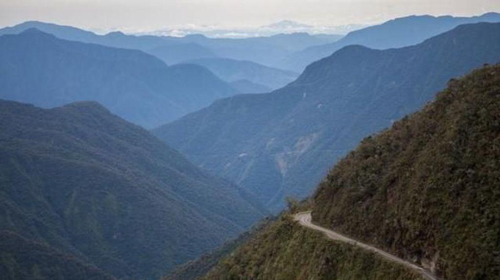 Foto: Ini Jalan Paling Mematikan di Dunia