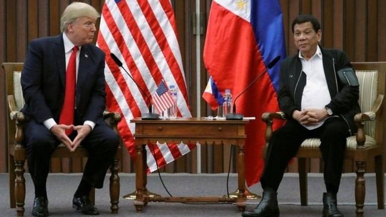 Trump Tidak Angkat Masalah HAM Saat Bertemu Duterte