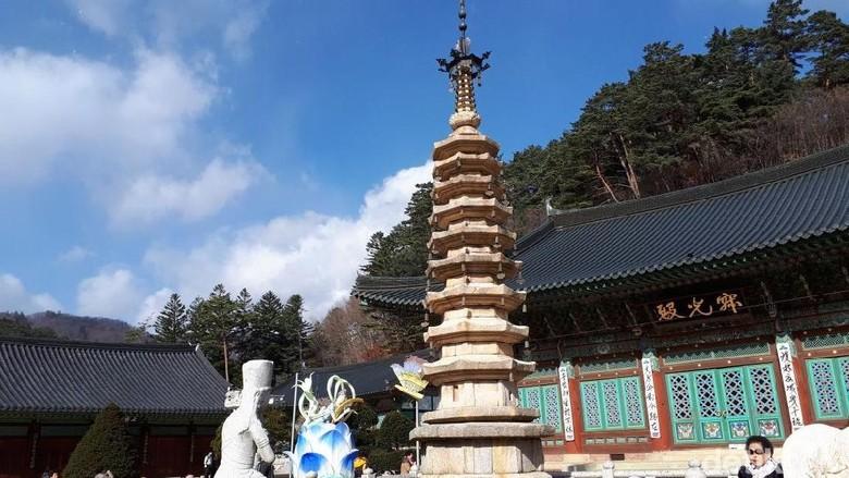 Ini Kuil Woljeongsa, Salah Satu Lokasi Syuting Drama Korea Goblin