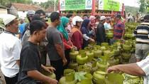 Di Purworejo, Tabung Gas Elpiji 3 Kg Masih Jadi Rebutan