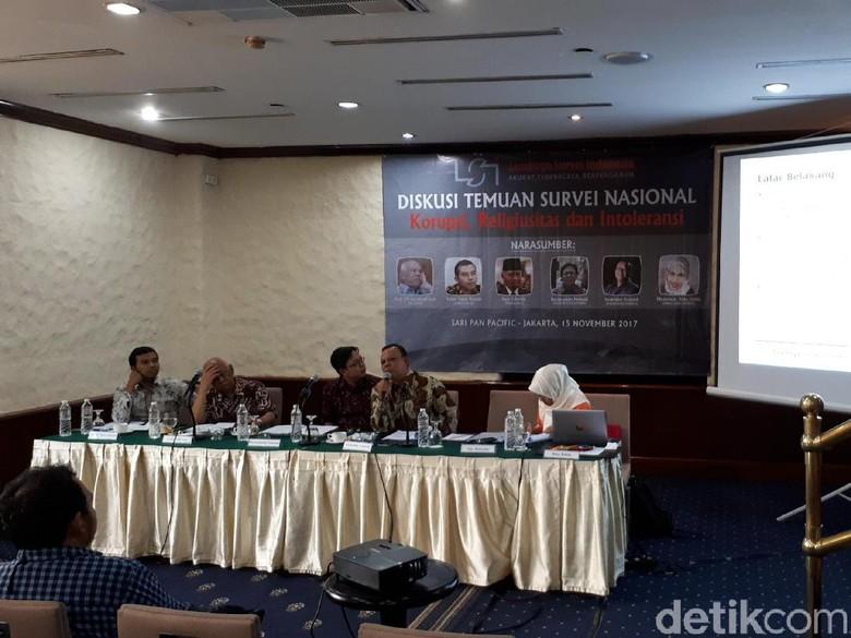 Survei Warga Nilai Pemerintah Serius - Jakarta Lembaga Survei Indonesia melakukan survei religiusitas dan intoleransi dari sudut pandang warga pada September Mayoritas warga pemerintah