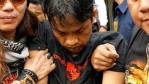 Terus Menunduk, Ini Potret Pelaku Kasus Mayat di Kampung Rambutan