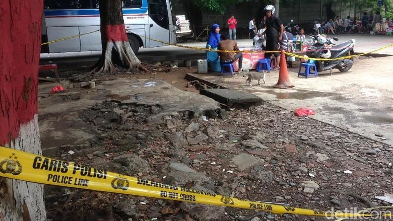 Bau Menyengat Tercium di Area Penemuan Mayat di Terminal Kp Rambutan