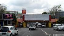 Reklame di Viaduk Kertajaya Bodong, Pemkot Surabaya: Bongkar