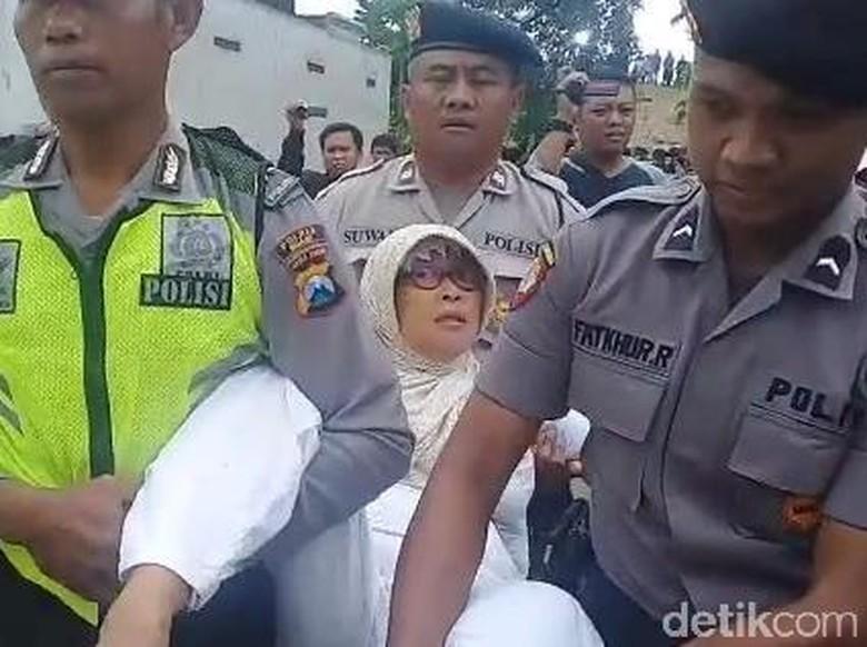 Eksekusi Pembebasan Lahan Tol Ngawi-Kertosono Diwarnai Protes