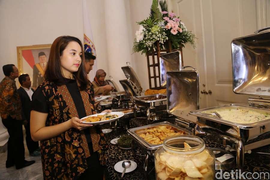 Nggak Diet, Chelsea Islan Tetap Cantik dan Ramping
