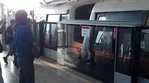 25 Orang Luka dalam Tabrakan 2 Kereta, MRT Singapura Minta Maaf