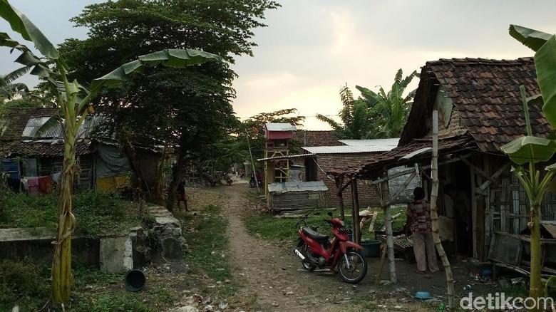 Warga Kota Mojokerto Masih Hidup - Mojokerto Kampung makam Cina di Kelurahan Magersari hanya sekelumit potret kemiskinan di Kota Saat ini terdapat jiwa penduduk