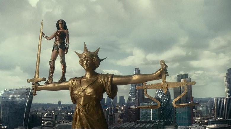 Gal Gadot Muntah Berkali-kali saat Syuting Justice League