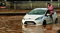 Tewaskan 15 Orang, Begini Dahsyatnya Banjir Bandang di Yunani