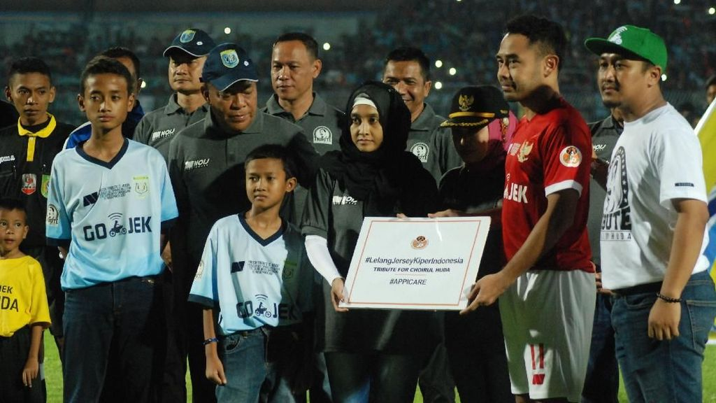Menang-Kalah Tak Penting dalam Tribute Match Choirul Huda