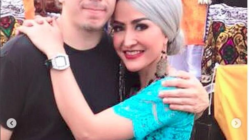 Posting Foto Bersama Pria Ini, Cynthiara Alona Nyatakan Sudah Menikah?