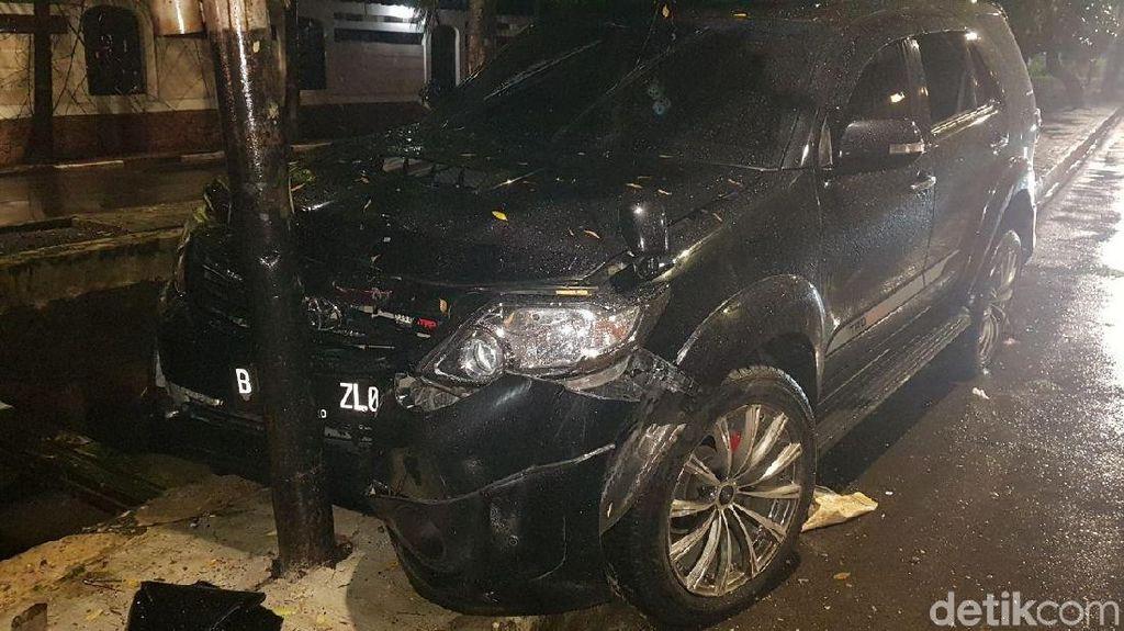 Seperti Mobil Novanto, Hanya Tabrak Tiang Airbag Tak Mengembang?