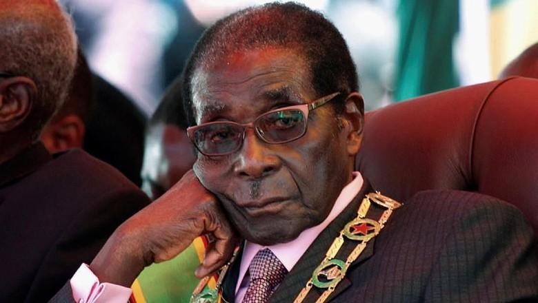 Militer Zimbabwe Ambil Alih Kekuasaan, Mugabe Tolak Mundur