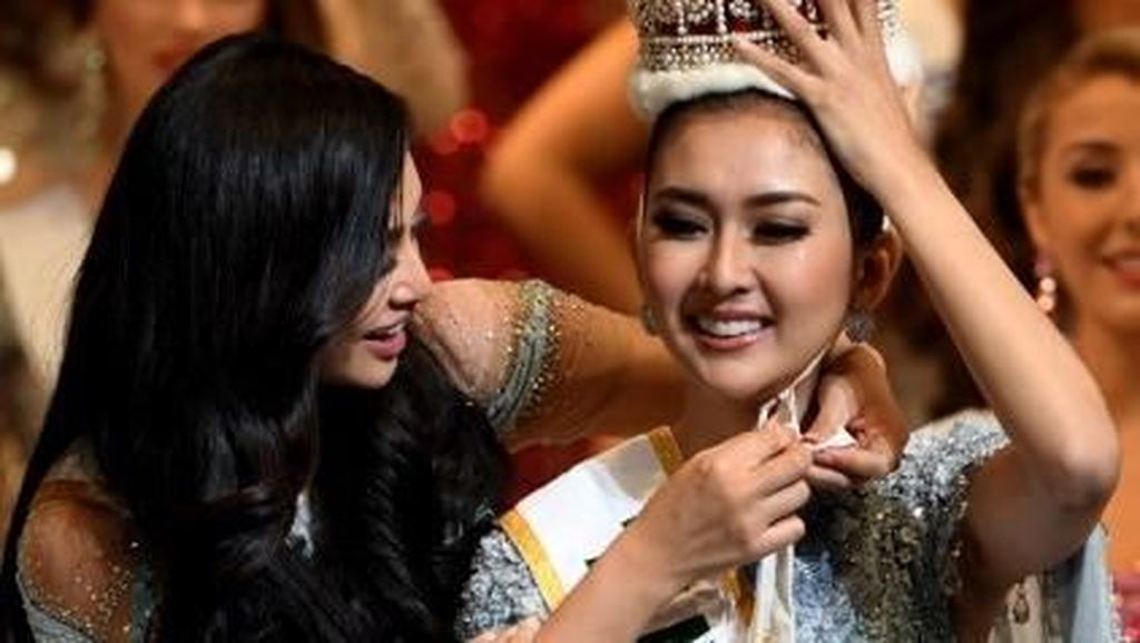 Pose Seksi,  Miss International 2017 Kevin Lilliana Tuai Kontroversi