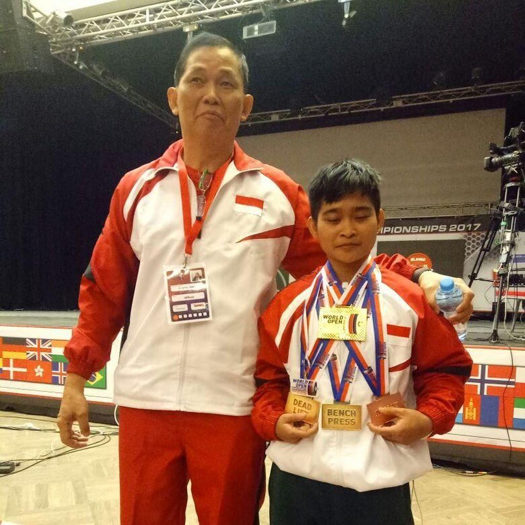 Indonesia Rebut Tiga Emas di Kejuaraan Dunia Angkat Berat