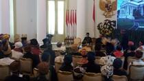 Jokowi Kumpulkan Para Kepala Suku di Istana Bogor