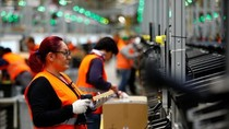 Kesibukan Amazon Jelang Pesta Diskon Black Friday