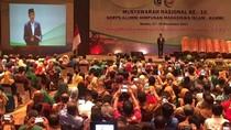 Buka Munas KAHMI, Jokowi Minta Peserta Tepuk Tangan ke Anies