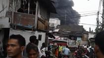 Sudah 2 Jam, Kebakaran di Pabrik Kimia di Tangerang Belum Padam