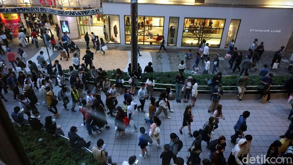 Foto: Di Jepang, Pejalan Kaki Bukan Sumber Kemacetan