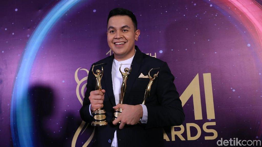 Borong Penghargaan, Tulus: Kita Berkarya Aja dari Hati