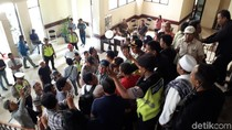 Ketua DPRD Surabaya Didemo Soal Masjid