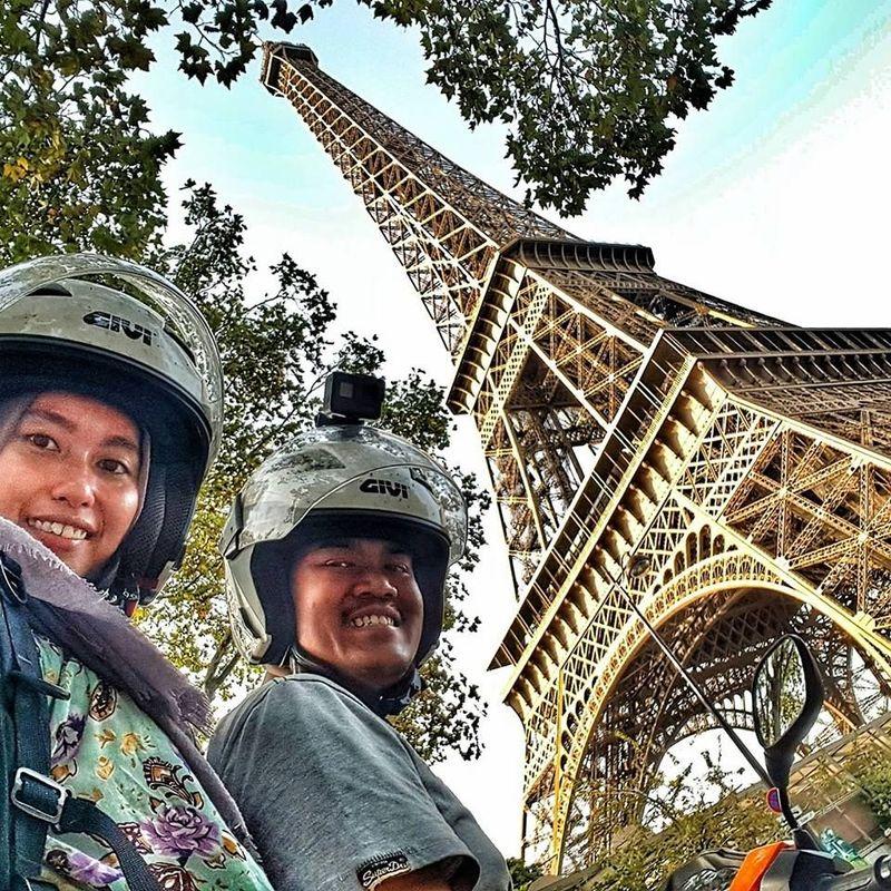 Pasangan traveler ini bernama Mohd Alfishahrin Zakaria (31) dan istrinya Diana Latief (30). Mereka punya imipian liburan ke Eropa, dan berhasil mewujudkannya. (Mohd Alfishahrin/Facebook)