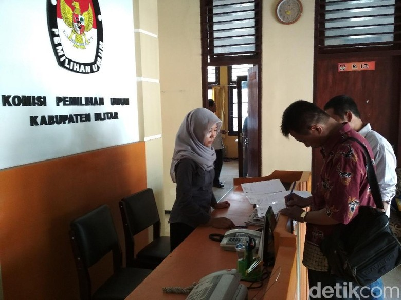 Copy KTP Tak Terbaca, KPU Kabupaten Blitar Kembalikan Berkas Parpol