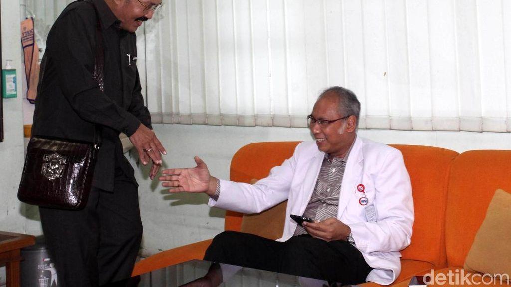 Dokter RS Medika: Novanto Tidur Setengah Tidur, Kondisinya Lemah