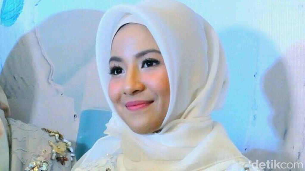 Natasha Rizki Berbagi Tips agar Konsisten Berhijab bagi Hijabers Baru