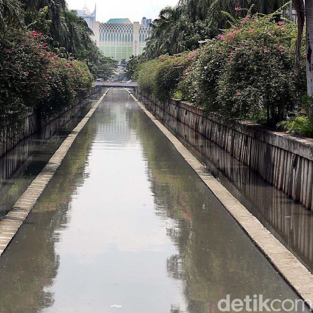 Potret Sungai Jakarta yang Kian Berubah
