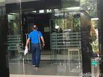 Datang ke RSCM Kencana, Pengacara Setya Novanto Bawa Dokumen