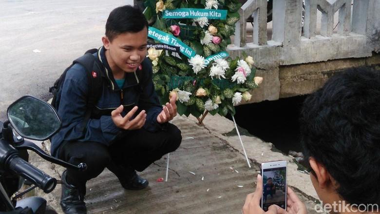 Tiang Lokasi Kecelakaan Setya Novanto Booming, Banyak Warga Selfie