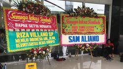 Karangan Bunga Bernada Satire Dikirim untuk Setya Novanto